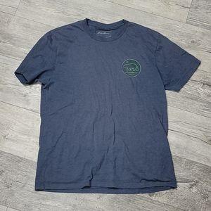 Eddie Bauer Size M Blue Green Bear Tshirt
